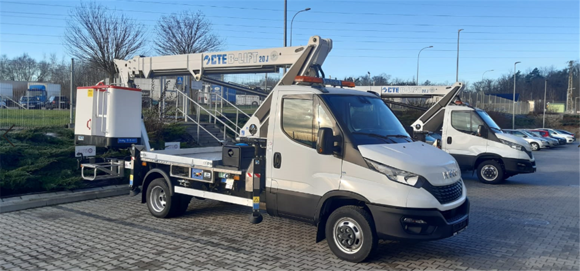 A CTE B-LIFT 20 JHV fitted on an Iveco Daily base.